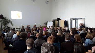 Bis auf den letzten Platz belegt war der große Saal im Leipziger Volkshaus beim ersten Vernetzungstreffen der Festivalarbeiter_innen